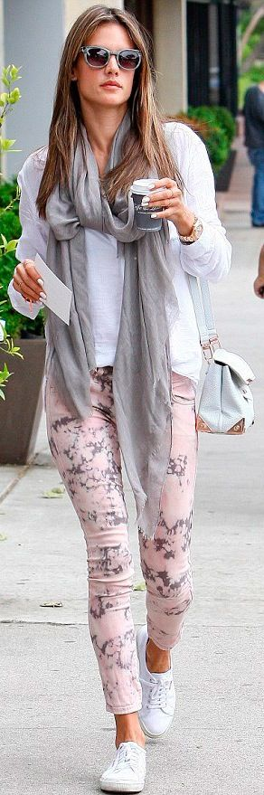 Alessandra Ambrosio street style - GREAT pants.... HotWomensClothes.com