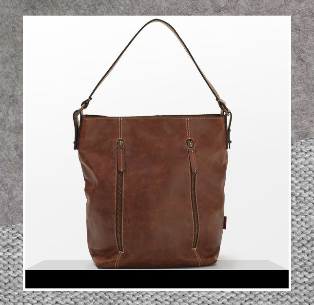 The ladies leather hobo from Mat & May