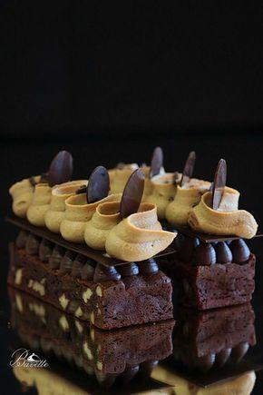 Brownie con ganache de chocolate y crema de café