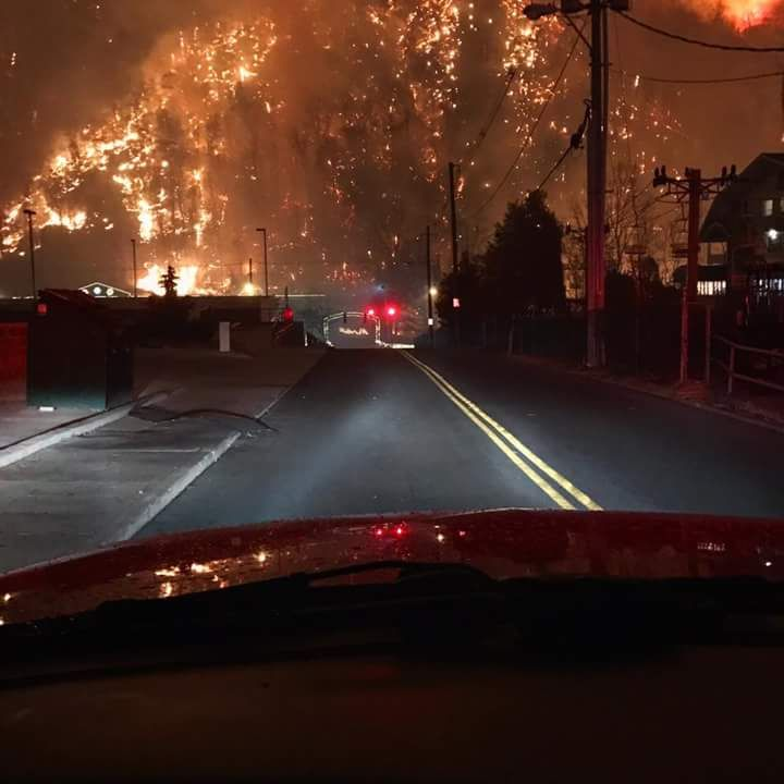 To the person who said imagine how terrifying fire would be if it wasn't a light source. This is currently happening in the Smokey Mountains of Gatlinburg and Pigeon Forge Tennessee. Incredibly terrifying.
