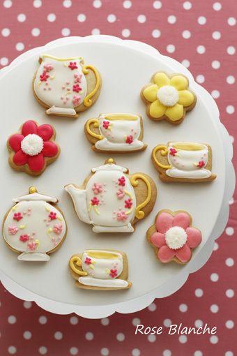 Tea set by Eleni's (Erenizu)    神戸・芦屋・西宮・大阪シルクフラワー&フォトスタイリング ローズブロンシュ