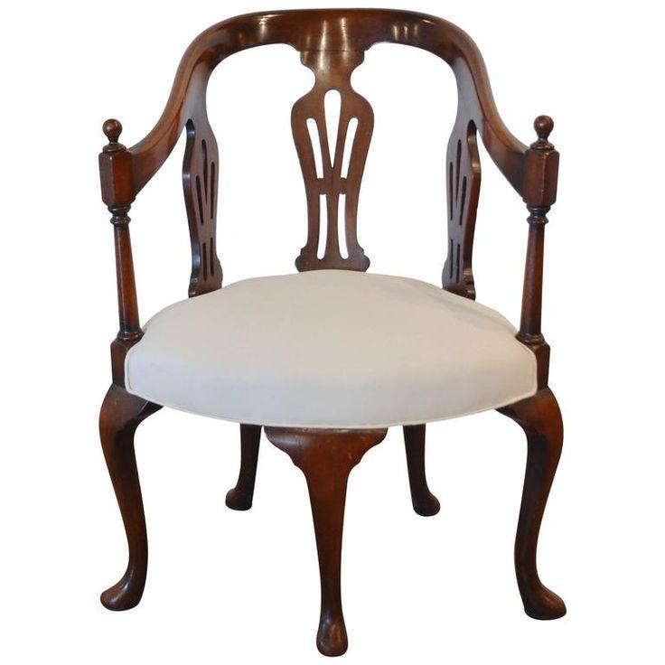 Queen Anne 5-Legged Chair, 18th Century 1
