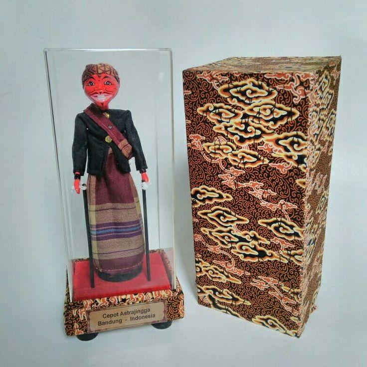 Cepot. Wayang golek, boneka tradisional asli dari Jawa Barat.