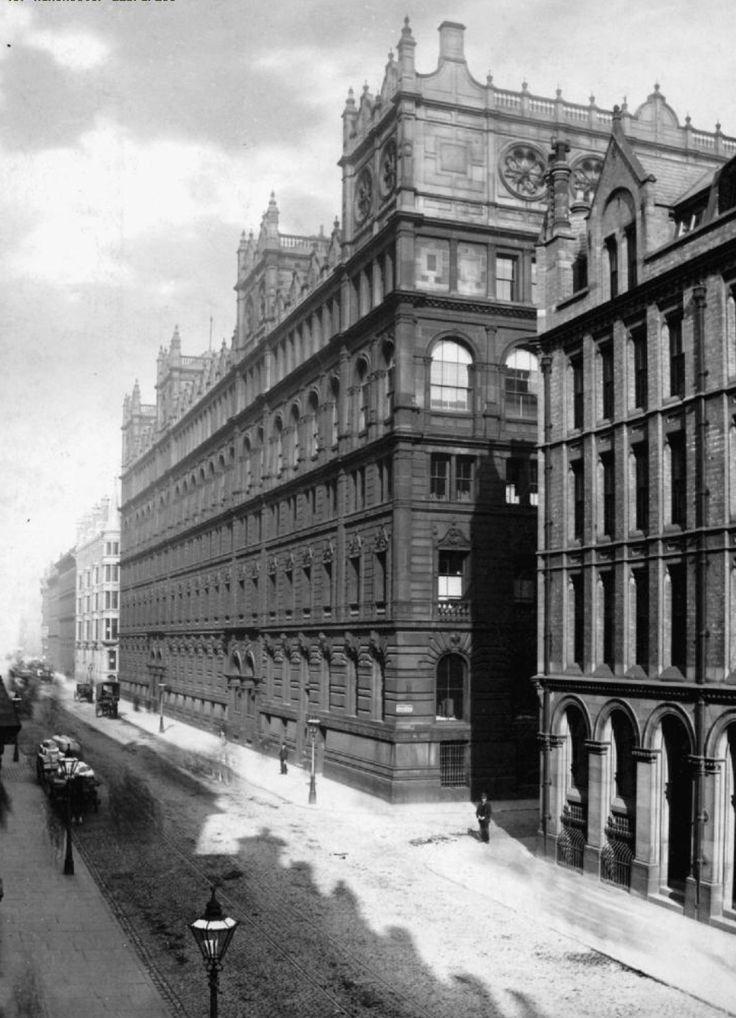 Watts Warehouse, pre conversion to the Britannia hotel