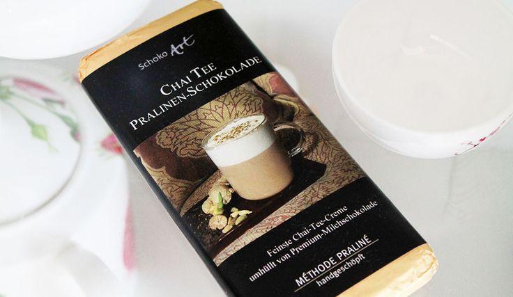 """Chai Tee Pralinen-Schokolade von Schoko Art, hergestellt für Tee Gschwendner - """"Feinste Chai-Tee-Creme umhüllt von Premium-Milchschokolade"""" -  """"MÉTHODE PRALINE – handgeschöpft"""""""
