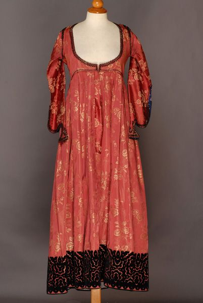 Very long silk foustani (dress) with skin-tight bodice and pleated short-waisted skirt, Epirus