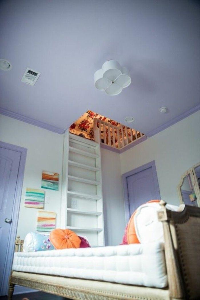 originale idee deco chambre ado fille mur en violette pale lit en bois clair