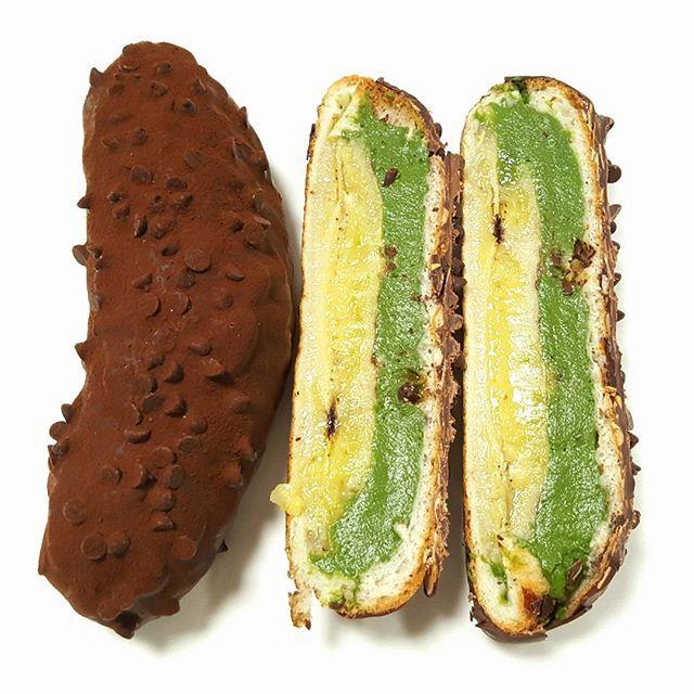 WEBSTA @ jeonghoon____ - *이게 진짜 바나나 빵이지3*°°°초코칩,말차 커스터드크림,바나나 한개다크초콜릿 씌워주기,코코아파우더 톡톡.리얼 바나나 브레드 마지막 버젼 입니다.말차 커스터드크림도 은근 잘 어울리네요^^°°°#먹스타그램 #맛스타그램 #빵스타그램#인스타푸드 #베이킹그램 #맛있다그램 #디저트스타그램 #간식스타그램 #초코빵#리얼_바나나빵#바나나빵 #말차크림빵 #말차커스터드크림 #말차덕후 #대박조짐#바나나_한개가_들어있어요#달다구리 #빵순이 #빵돌이 #베이킹#당충전 #빵 #소통 #완전_맛있는걸로#바나나빵_시리즈는_성공인걸로°°°#bakery #bread #banana  #chocolate #baking