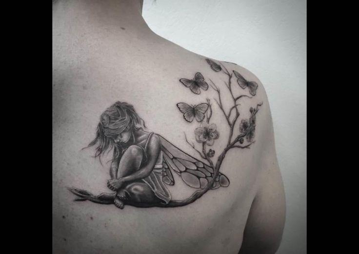 Tatouage Fee Clochette Cheville #15: Artiste-inconnu-tatouage-fee-sur-une-branche-epaule.