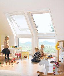 Der Dachgeschoss-Ausbau zu einem wohngesunden und sicheren Kinderzimmer ist möglich, wenn Hausherren die möglichen Stolpersteine kennen (Foto: dach.de)