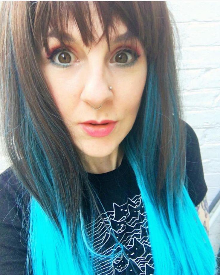 How #cute is @nim_chimpski in Lush style: Blue Moon  . . #lushwigs #wig #bluehair #ombre #lushwigsbluemoon #cutesy  Lushwigs.com (link in bio)