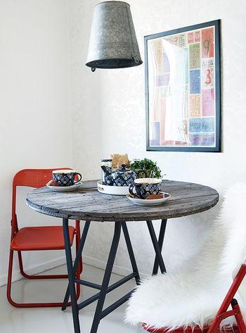 リビング、ダイニング、デスクにも。【IKEAの架台+天板】で作るお好み ... こちらも古材の天板。丸天板にも似合います。