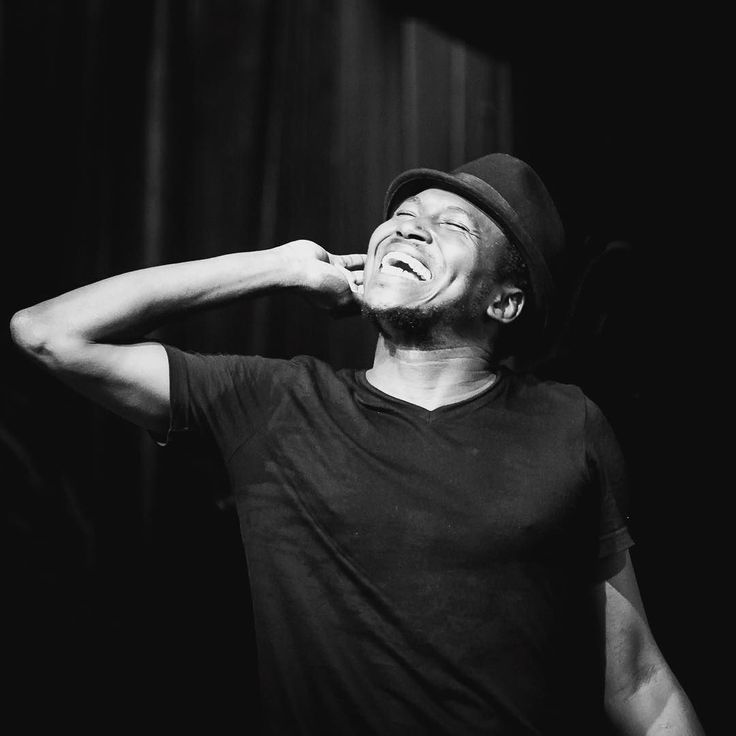 Aliou Touré Songhoy Blues.  #songhoyblues #pfffpics #musicinexile #desertfunk #desertblues #malimusic #blues #concertphotography #gigphotography #musician #nikon #nikonphotographers #theywillhavetokillusfirst #blackandwhitephotography #bands #live #portfairyfolkfestival by una_burke