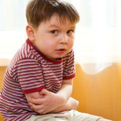 Les douleurs abdominales chroniques chez les enfants liées à l'anxiété persistant des années plus tard