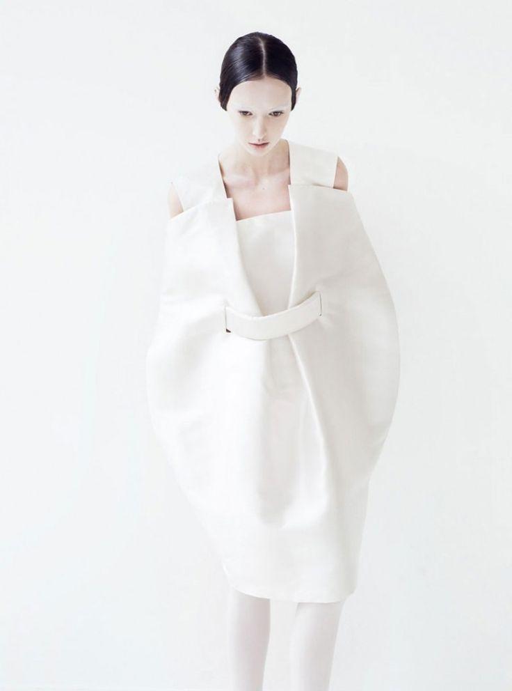 Sculptural Fashion - white, concept container dress; wearable art; dress form // Elsien Gringhuis, AW10