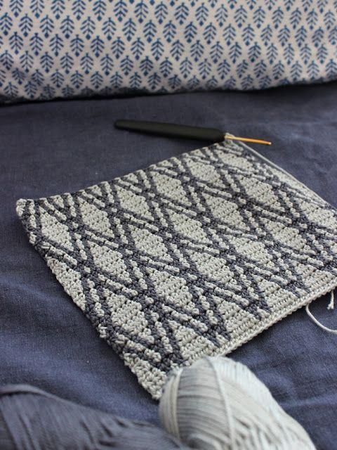Pirjon kädenjälkiä: tapestry crochet pattern