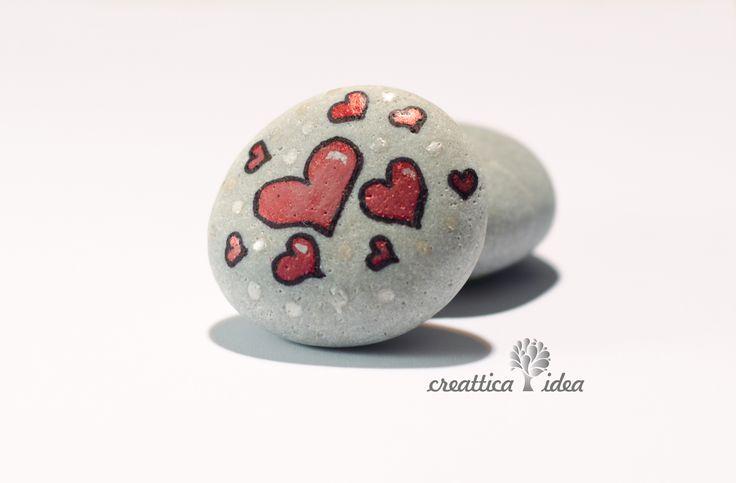 Corazones en piedra.