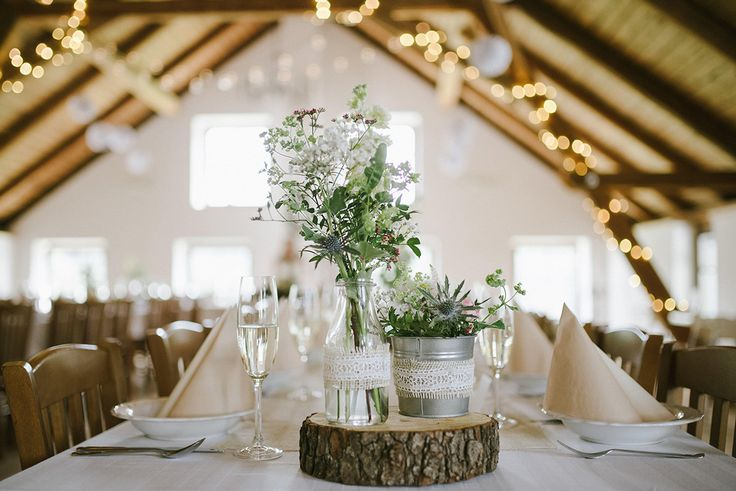 Rustic table centrepiece by Klara Uhlirova
