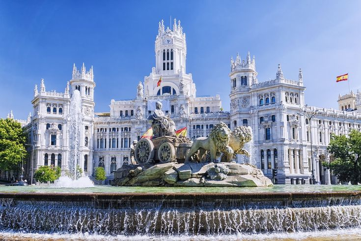 Bets citiies to visit in Spain Cibeles fountain in Madrid, Spain