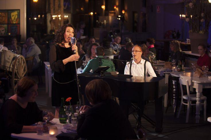 Live achtergrondmuziek tijdens een diner bij Restaurant Visj in Bergen op Zoom. Foto door Nick Franken Fotografie.