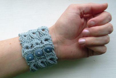 ˜Broomstick Lace Bracelet
