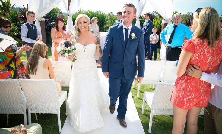 Happy couples at Parkwood! Dorota & Rhys tied the knot in our Wedding Pavilion
