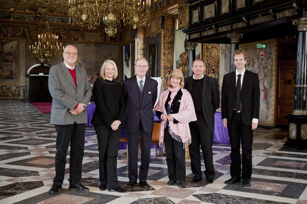 Curator Erik Westengaard, director Mette Skougaard, then chairman of the museum Niels Eilschou Holm, curators Søren Mentz and Thomas Lyngby in the Great Hall of Frederiksborg castle where the finale of History Feud 2011 took place.