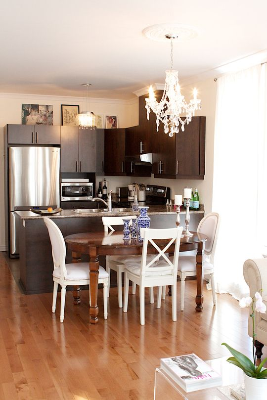 Lovely kitchen. To see more visit Patricia Jeans Classic Romantic Home in Montreal's blog.