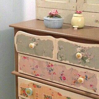 Shabby Chic Cottage Dresser Drawers