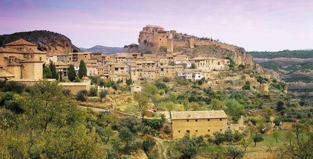 Geheimtipp für Weinliebhaber auf der Suche nach Alternativen zu Rioja: Im Anbaugebiet in den Pyrenäen wächst typisch Spanisches wie Garnacha neben Internationalem wie Chardonnay und Merlot.