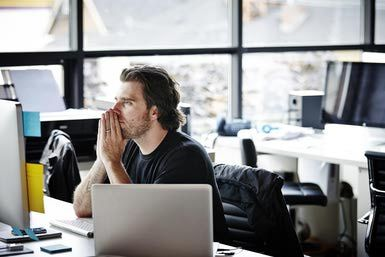 How to Deal With Stress at Work (Tips and Tricks)
