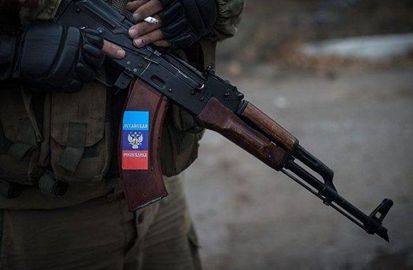 Пьяные боевики из пулеметов и автоматов открыли огонь по жилому дому в Саханке http://proua.com.ua/?p=66068