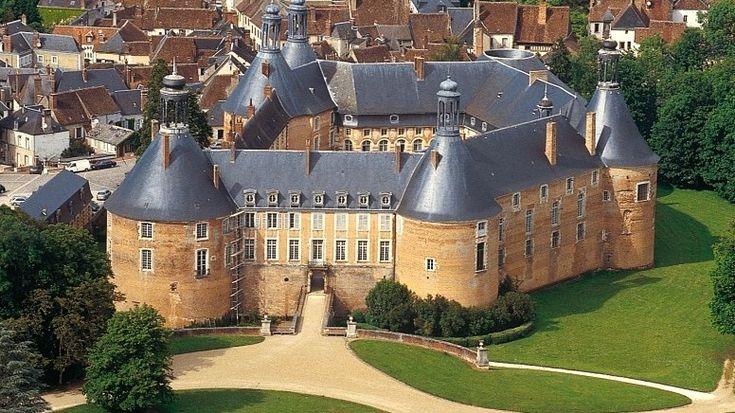 Château Saint Fargeau ~ France
