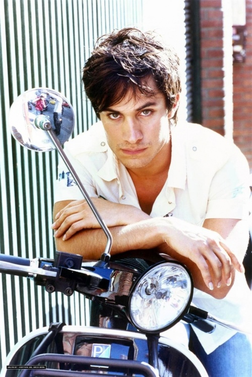 Gael Garcia Bernal // currently crushing after finally watching Y Tú Mama Tambien.