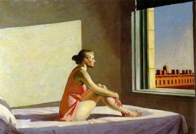 Эдвард Хоппер (1882-1967), так же как хужожники-сюрреалисты умел вовлеч зрителя в мир надвигающегося мрака и обреченности, изображая одинокие и беззащитные фигуры в аустых и заброшенных пространствах.