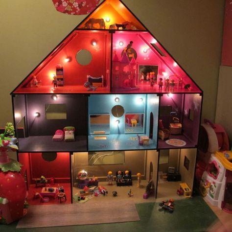 Les 25 meilleures id es de la cat gorie maison playmobil sur pinterest poup es miniatures - Toute les maison playmobil ...