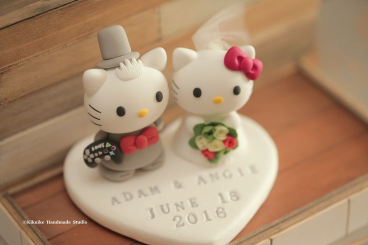 hello kitty & dear daniel wedding cake topper, wedding ceremony,gift, planning, ideas and details #clay #initials #kitten #cat #handamdecaketopper #custom #brideandgroom #cute #kikuikestudio #結婚式 #mariage #Boda