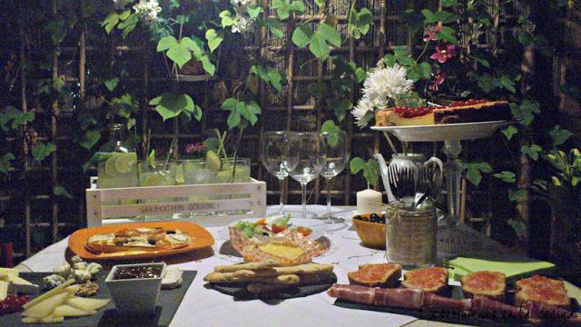 Experimento en la cocina: LLUVIA DE ESTRELLAS EN CARTES  Hoy no os traigo ni...