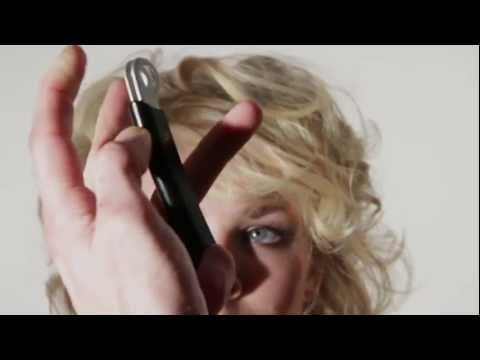Simple Razor Cut on Dry Curled Hair