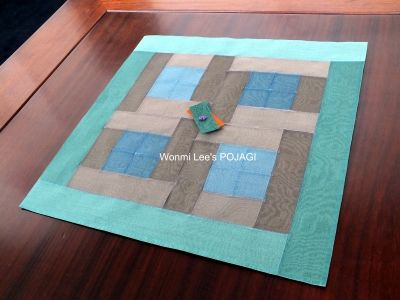"""Wonmi Lee makes beautiful pojagi. More at her great site! Here: her """"Zen Log Cabin"""" ウォンミ リーのポジャギな日々 Love the tints of teal with the tints of indigo and the grays. Very nice."""