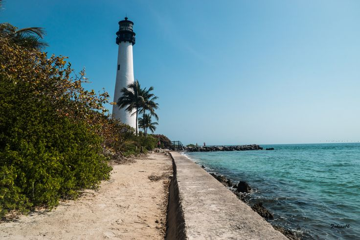 Visit Bill Baggs Cape Florida State Park for a fun day on the beach. Take a guided tour of the lighthouse and learn about the history behind the park #FLStateParks