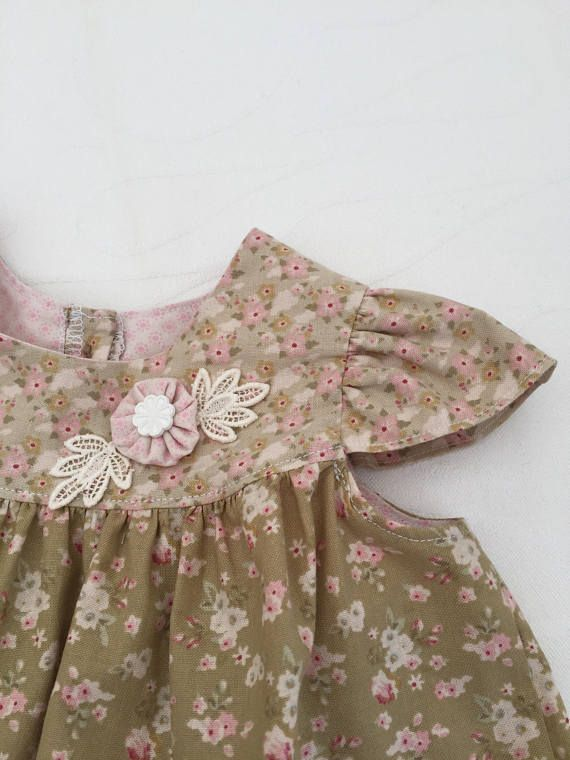 Baby dress with nice curved hem. Pritty summer dress. Small