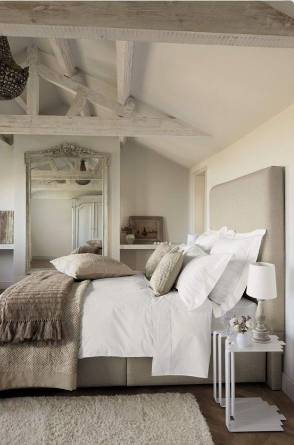 Bedding. Simple White, accent khaki