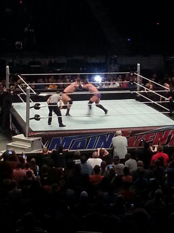 Wade Barrett vs Neville
