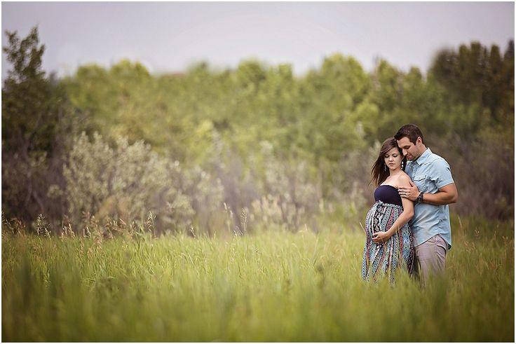 Maternity Photo Ideas & Posing | Calgary Maternity | Outdoor Maternity ...