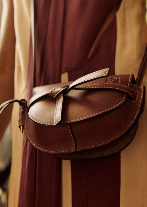 2d6b9e5b5cb2 Loewe Gate bag Leather Crossbody Bag