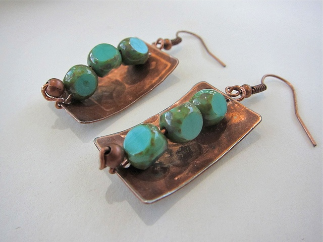 Designs By Alejandra Carazo. Handcraft copper earrings.   https://www.facebook.com/DesignsByAlejandraCarazo?ref=bookmarks