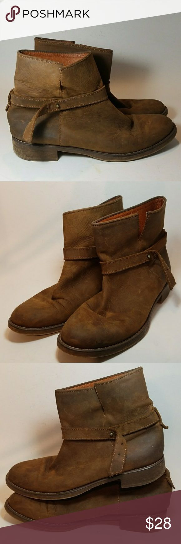 Madewell Women's Leather Ankle Boots Size 9 Genuine leather, pull up, strapped, brown, ankle boots Madewell Shoes Ankle Boots & Booties
