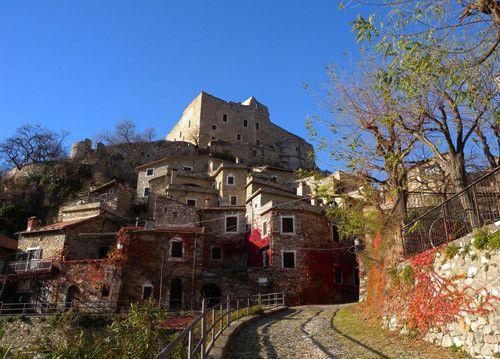 I Borghi più belli d'Italia: Castelvecchio di Rocca Barbena