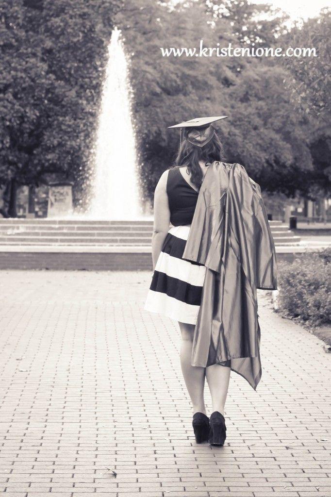 9 best grad pics images on Pinterest | Grad pics, Graduation ideas ...